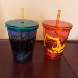 Fun swirly straw cups with train & excavator decals