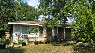 367 Rosebud Ln - Home For Rent 5/1/4 in San Antonio, TX 78221