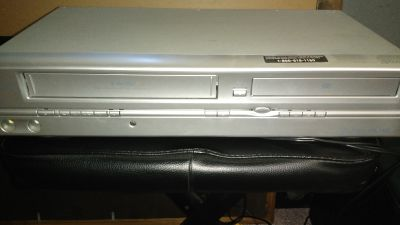 Sv2000 VCR And Dvd Combo Player