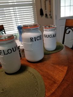 Country canisters