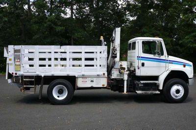 8902 - 2003 Freightliner Fl70; National Knuckleboom Model N65a; 5 Ton