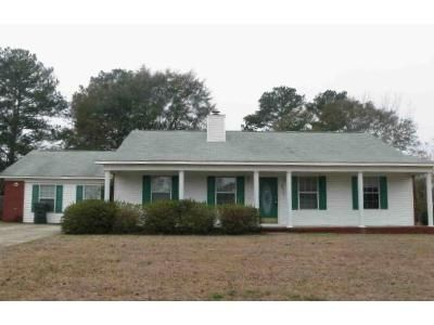 3 Bed 2.0 Bath Preforeclosure Property in Dothan, AL 36305 - Waynesboro Way