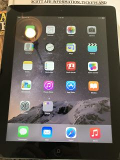 3rd gen Apple IPad with smart case and Anker key board