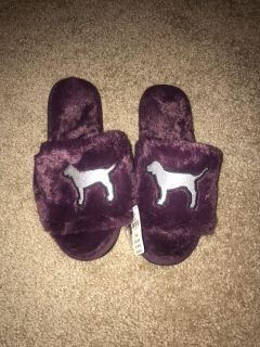 NWT Victoria s Secret PINK slippers