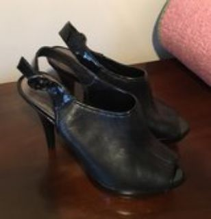 Nine West Black dress shoes (7.5M)