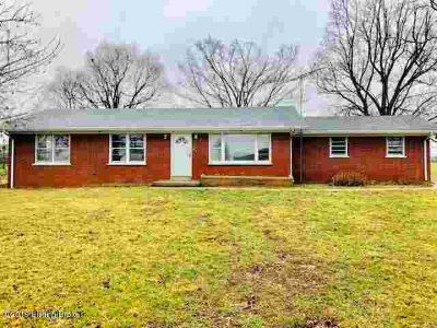 7911 Rineyville Rd Rineyville Three BR, Come and tour this move