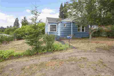 3640 C St Bremerton Two BR, 1940 cottage home with detached