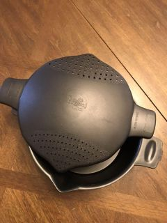 Pampered chef microwave steamer