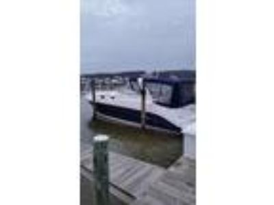 2006 Rinker 342 Express Cruiser