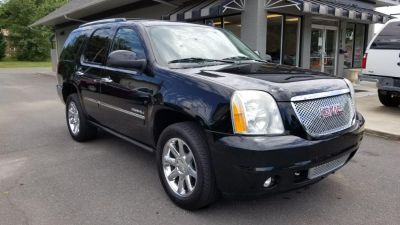 2011 GMC Yukon Denali (Black)