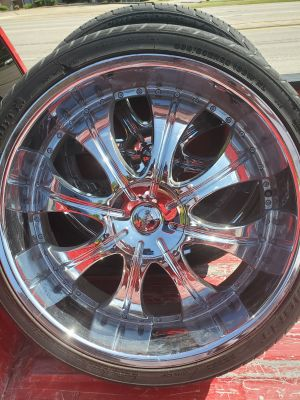 Fortune Alloys 26'in Rims - 6 lug - with 75-80% tires