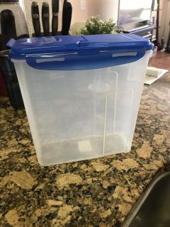 Cereal lock and lock container