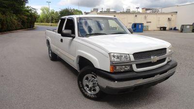 2004 Chevrolet Silverado 1500 Work Truck (White)