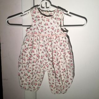 One piece outfit 0-3 months