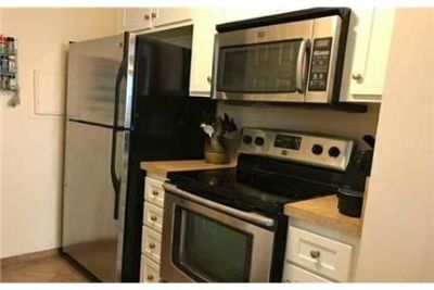 Spacious 2 bedroom, 1.50 bath. Washer/Dryer Hookups!