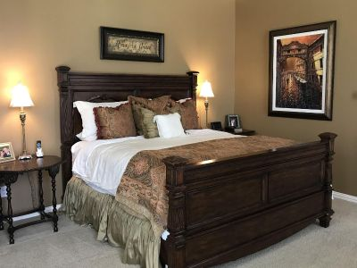 King size Bed & Matching Armoire