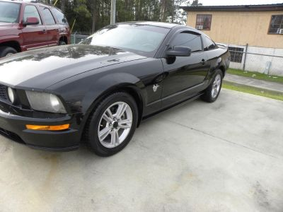 2009 Ford Mustang GT Deluxe (BLK)