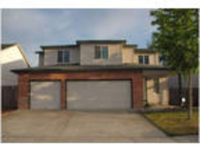 Spacious home with Central Air!!