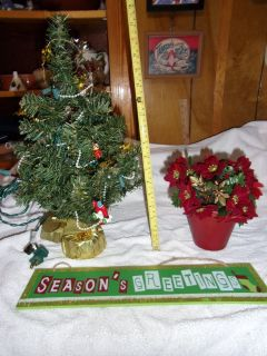 18 INCH CHRISTMAS TREE PRE-LIT. POINSETTA, SEASONS GREETINGS PLAQUE