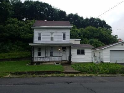3 Bed 1 Bath Preforeclosure Property in Pottsville, PA 17901 - Water St