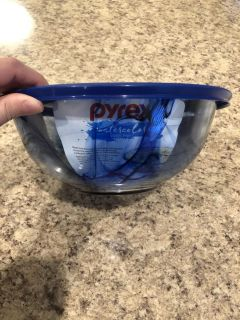 NEW Pyrex watercolor blue mixing bowl with lid