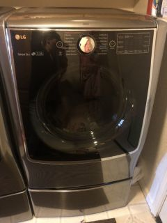 LG Washer/Dryer 5.2cu. ft. with sidekick!!