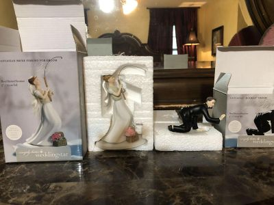Bride catching groom cake topper