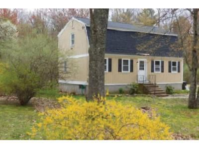 4 Bed 2 Bath Foreclosure Property in Derry, NH 03038 - Olesen Rd