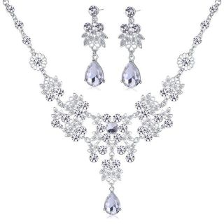 ***BRAND NEW***Rhinestone Earrings Crystal Pendant Necklace Jewelry Set***