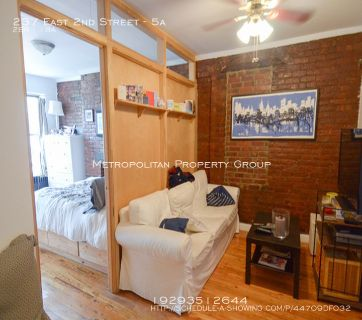 East Village - 2 Bedroom , Enormous Layout, Exposed Brick;  King-Sized Bedrooms W/Spacious Living Room
