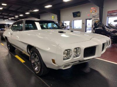 1970 Pontiac GTO (white)