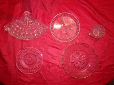 19 miscellaneous vintage odds and ends pieces of crystal