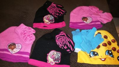 Brand new 5 girls' sets gloves and hat