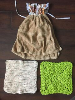 New pot holders and tie kitchen towel