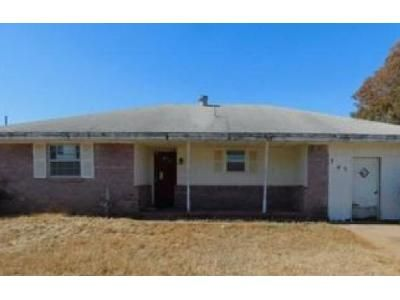 4 Bed 2 Bath Foreclosure Property in Shawnee, OK 74801 - N Eastern Ave