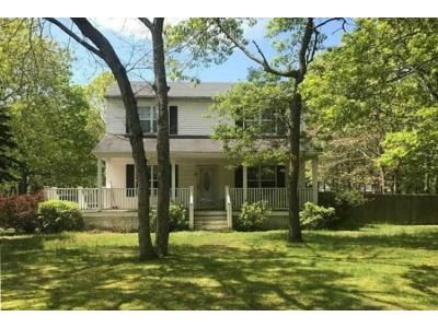 3 Bed 2 Bath Foreclosure Property in East Hampton, NY 11937 - Amagansett Dr E