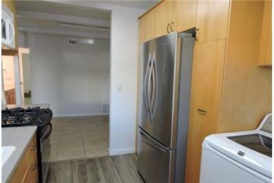 Townhouse in move in condition in San Diego