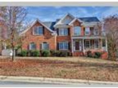 3 Level Brick Home Close to I-95 and Fort Lee!, Colonial Heights, VA