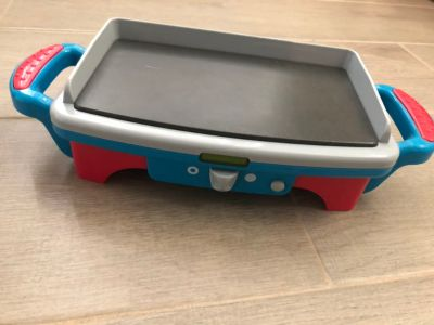 Play kitchen griddle