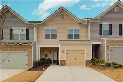 Fabulous 3 Bed 2.5 Bath townhome for rent @1549