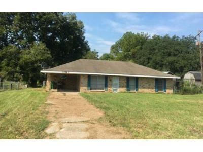 3 Bed 2 Bath Foreclosure Property in Breaux Bridge, LA 70517 - Judge Dupre Road