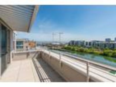 Luxury Waterfront Condo in Mission Bay