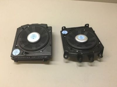 Purchase BMW E61 E60 535i FRONT UNDER SEAT SUB WOOFER WOOFERS SPEAKER 6513 9144202 OEM motorcycle in Santa Cruz, California, United States, for US $170.00