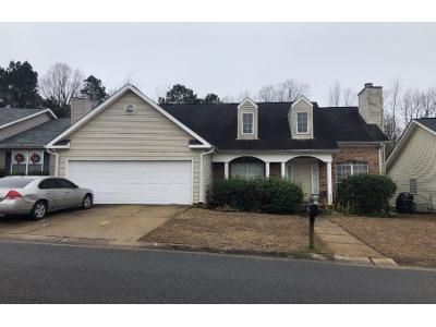3 Bed 2 Bath Preforeclosure Property in Northport, AL 35473 - Meadowlake Village Dr
