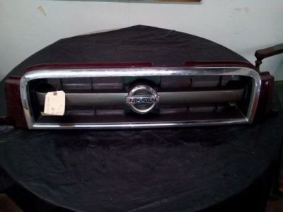 Purchase 99 00 01 02 03 04 Nissan Pathfinder OEM Front End Upper Grille motorcycle in Wadsworth, Ohio, United States, for US $100.00