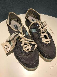 Simple Shoes Sneakers - Sz. 11