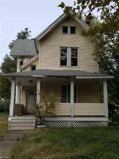 6001 Whittier Ave Cleveland, This large Four BR home is an