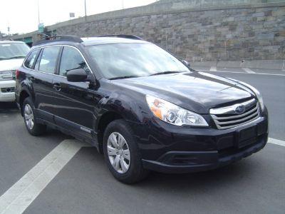 2011 Subaru Outback 2.5i (black)