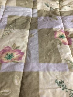 Reversible queen size comforter - barely used