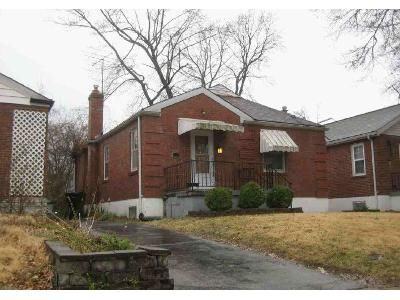2 Bed 1 Bath Foreclosure Property in Saint Louis, MO 63132 - Richard Ave